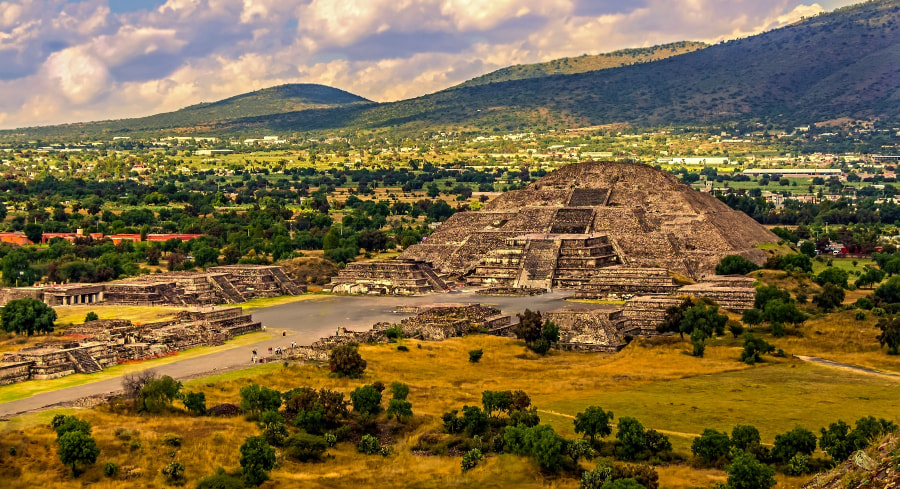 Teotihuacan Mexico by Lubomir Mihalik on 500px.com