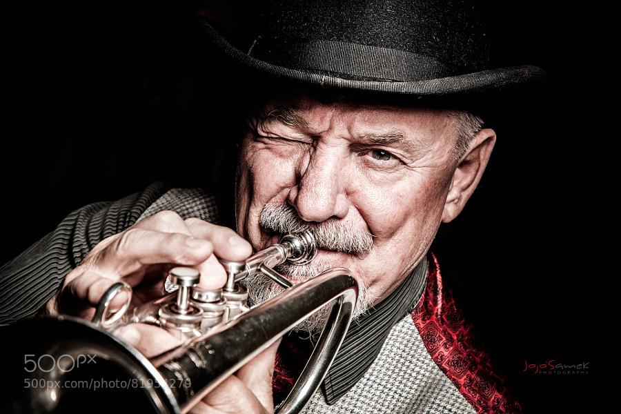 Photograph Papa Fleigh Company by Jojo Samek on 500px