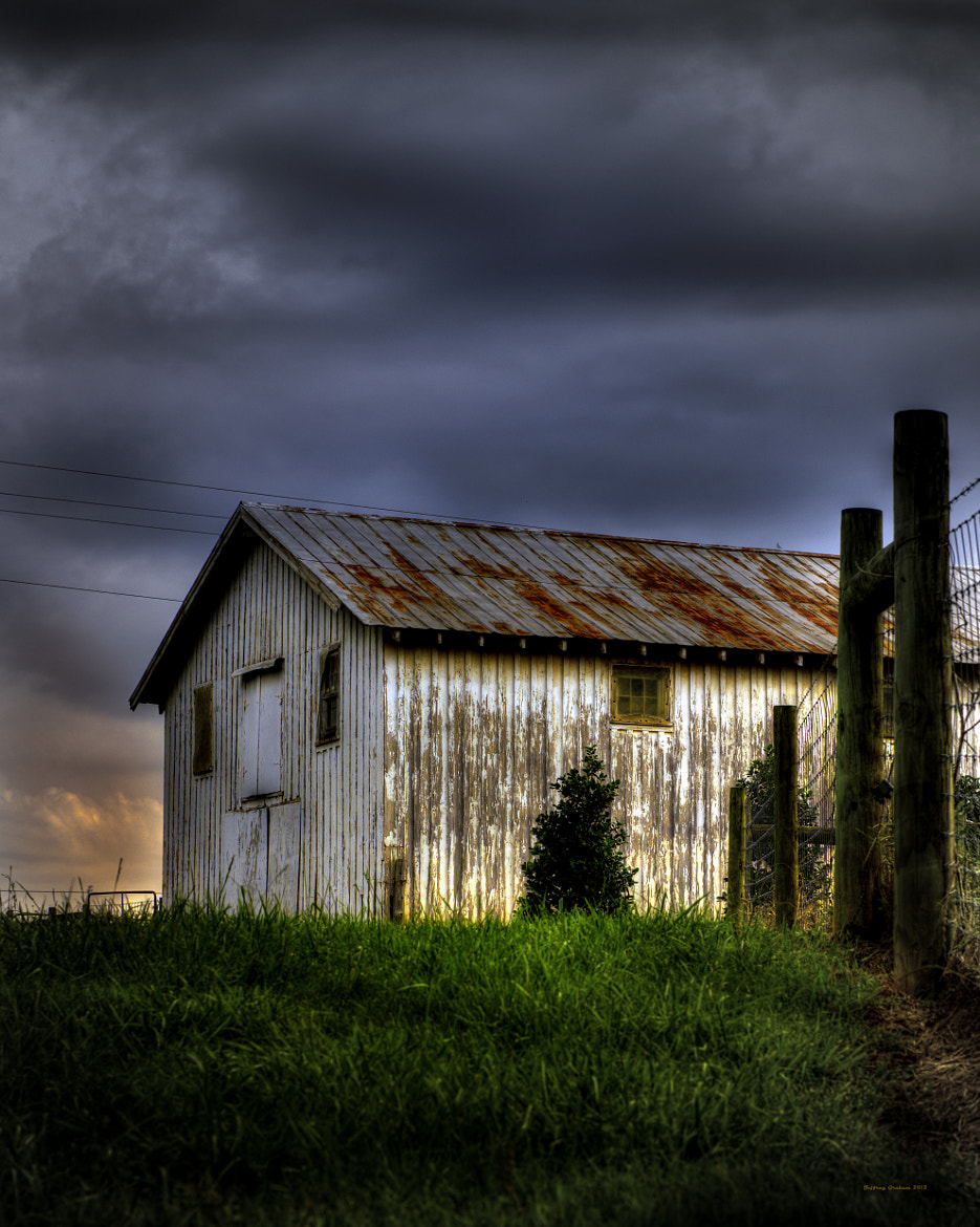Photograph White Barn by Jeff Graham on 500px