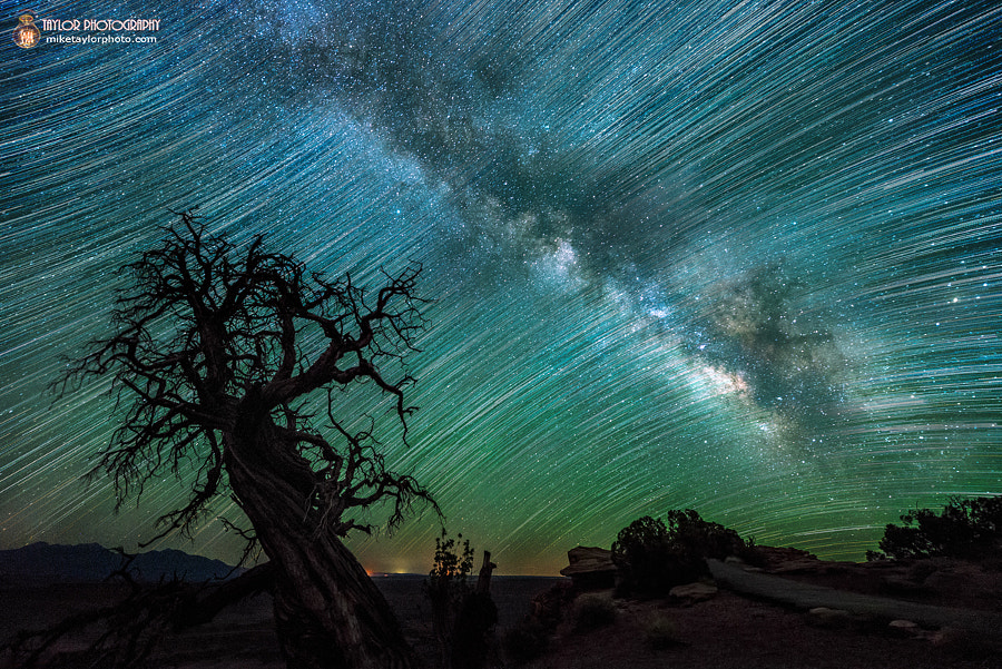Photograph Night Sky Utah by Mike Taylor on 500px