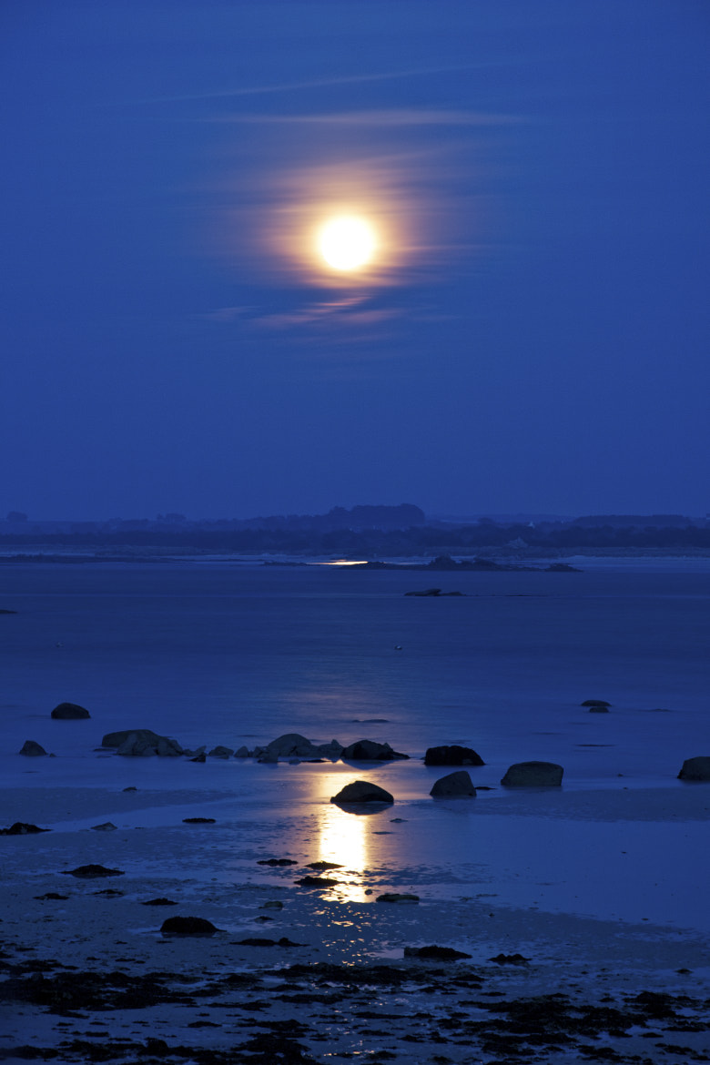 Photograph Full moon on the beach by Cécile Gall on 500px