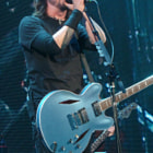 Постер, плакат: Dave Grohl of Foo Fighters at 2011 KROQ Weenie Roast