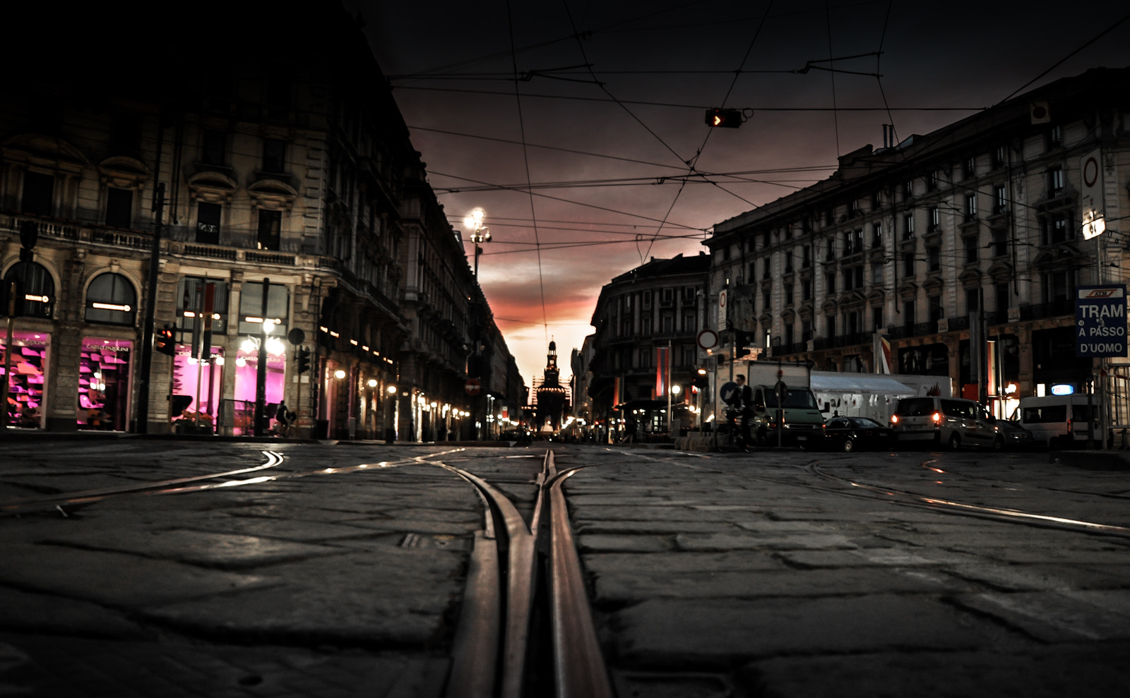 Photograph ..alone in an empty city by Manuela Bucci on 500px