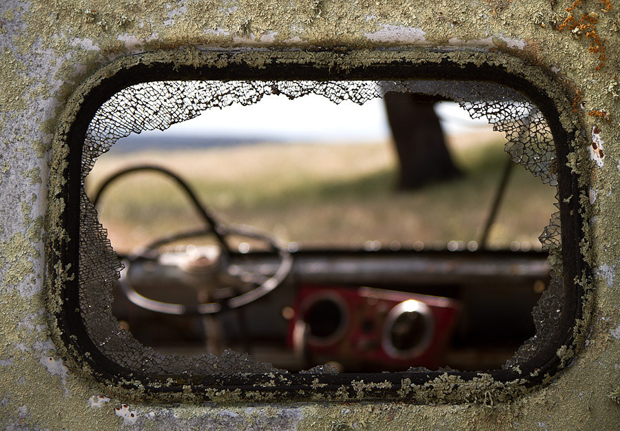 Photograph The broken window by Luis Mata on 500px