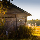 Постер, плакат: Old Barn Bathing In The Sun