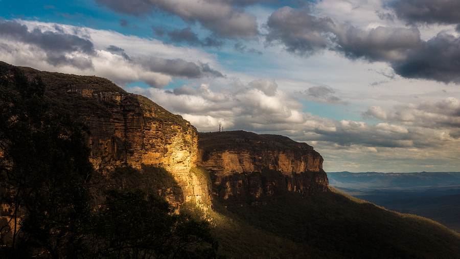 Photograph Jamison Valley National Pass Blue Mountains by Travis Chau on 500px