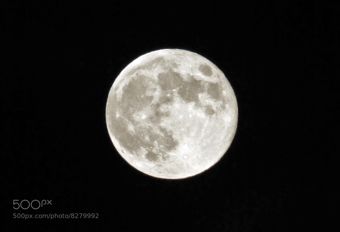 Photograph Queens Jubilee Full Moon by Steve Wallace on 500px