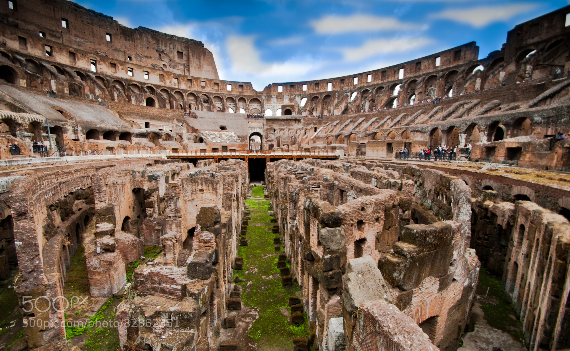 Inside the Colosseum of Rome : pics