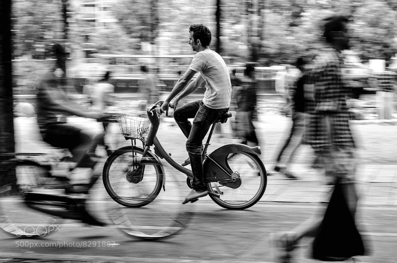 Photograph Through people by Giorgio Savona on 500px