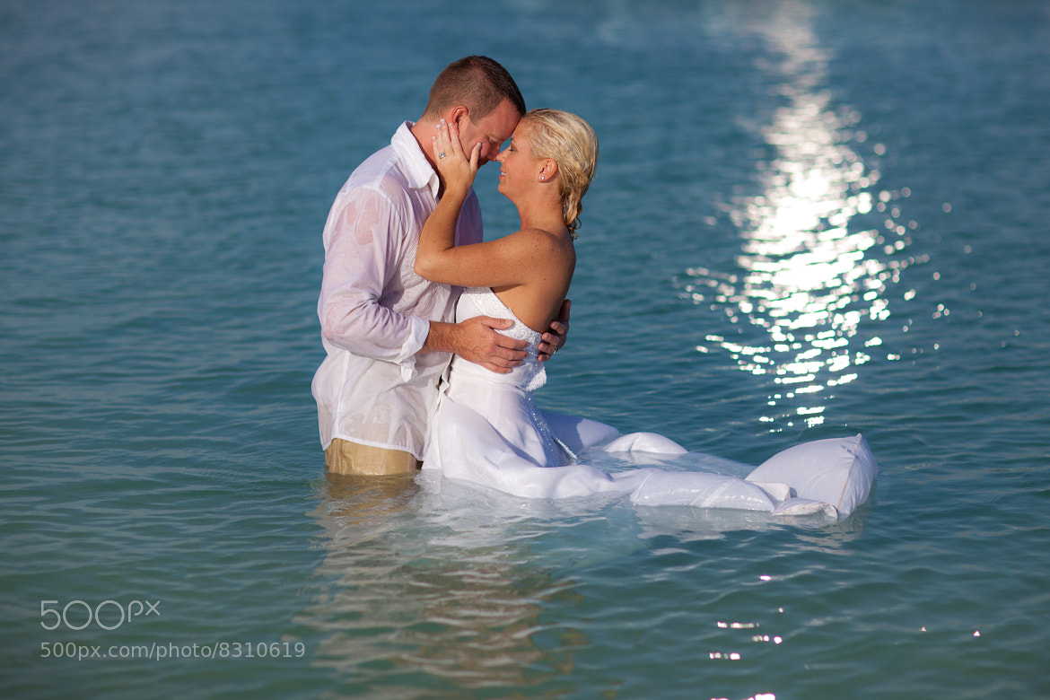 Photograph Aruba Trash the Dress by Cat Rodery on 500px