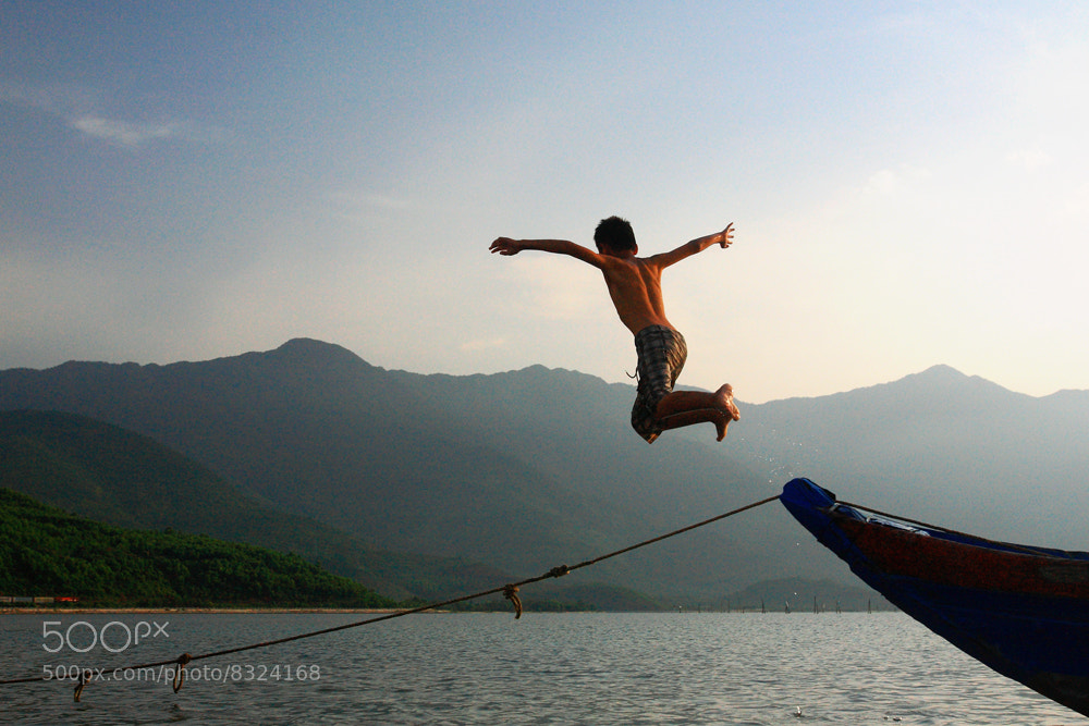 Photograph Flying... by Viet Hung on 500px