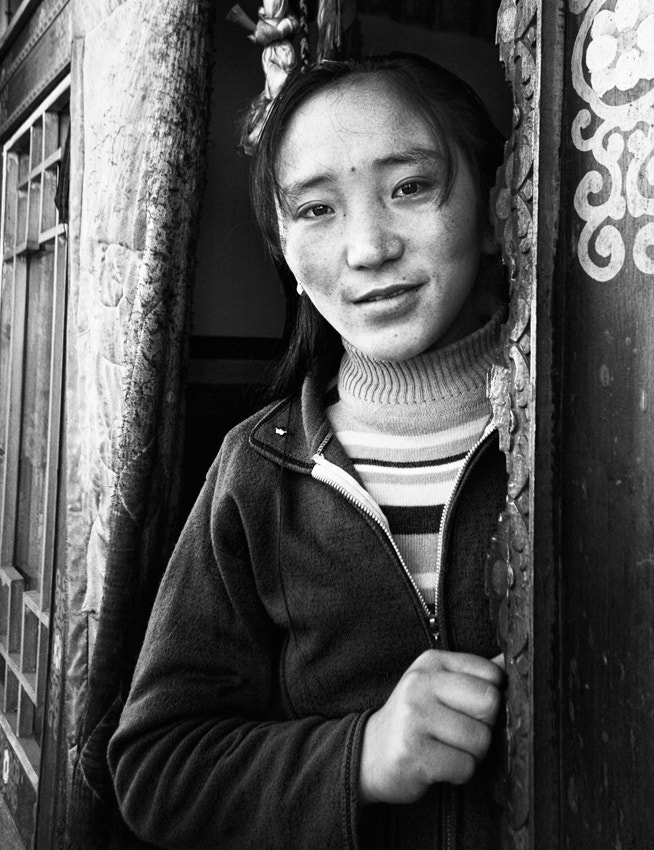Photograph 卓玛-Tibetan girl by Ben  on 500px