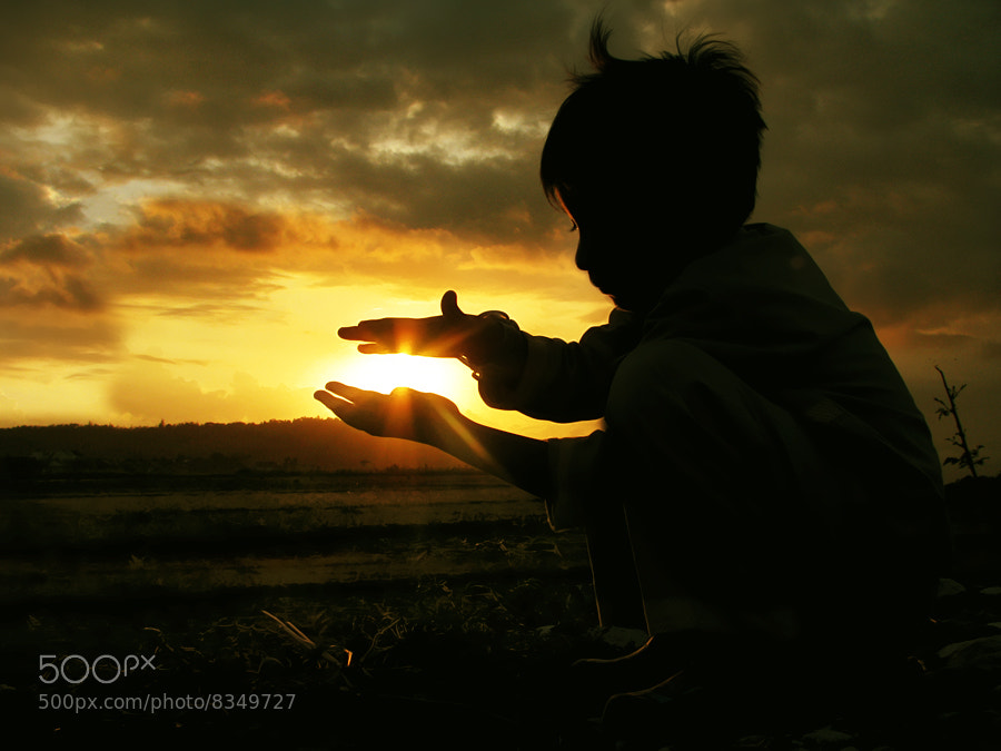 Photograph light in my hand by 3 Joko on 500px