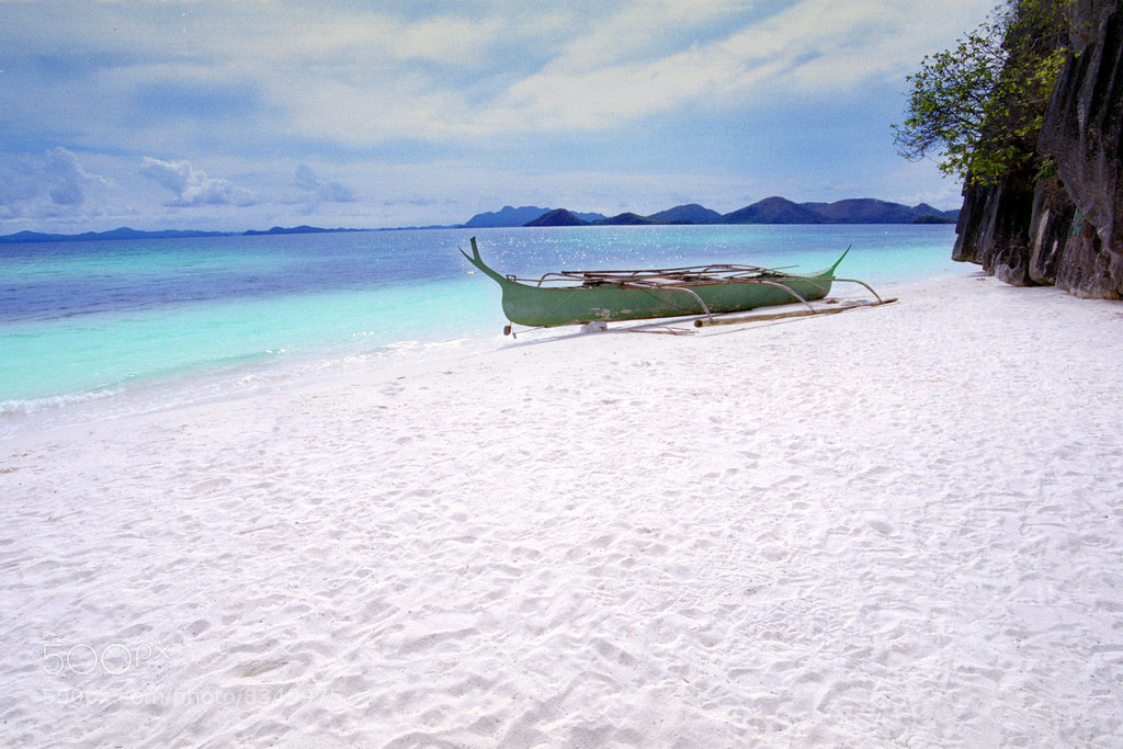 Photograph White sand beach of Coron by Innovatronix Tronix on 500px