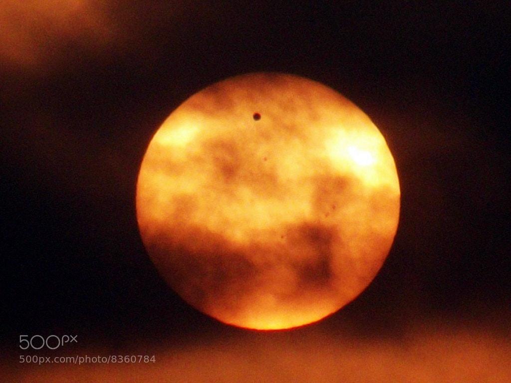 Photograph Venus' Dance Across the Sun by Onur Kavalcı on 500px