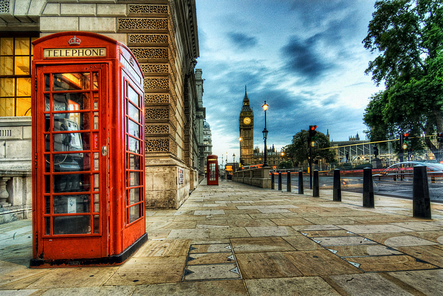Photograph Red Telephone Booth near Big Ben by Amir Hussain on 500px