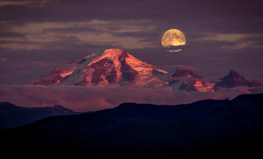 Moonrise Fraser Valley BC