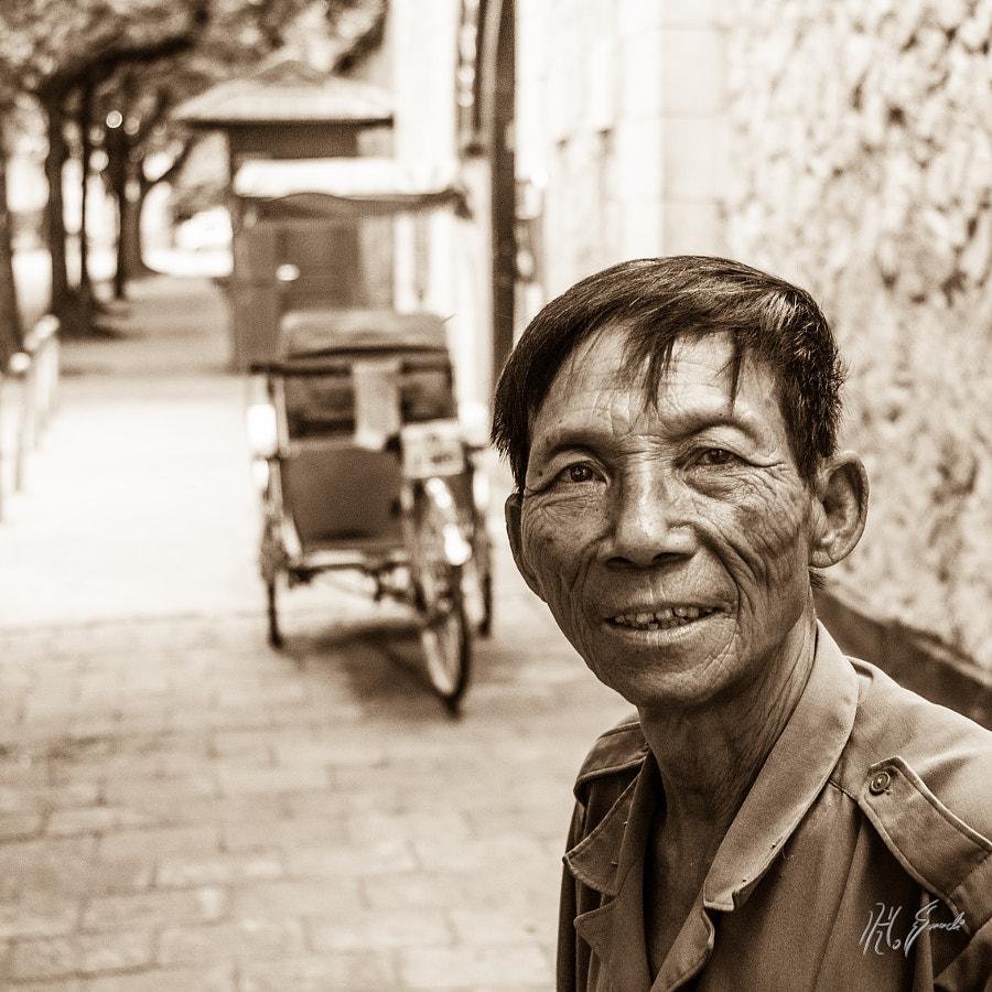 Cyclo driver of Hanoi