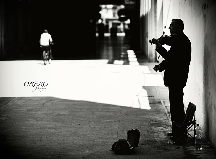 Photograph The violinist by Manuel Orero on 500px