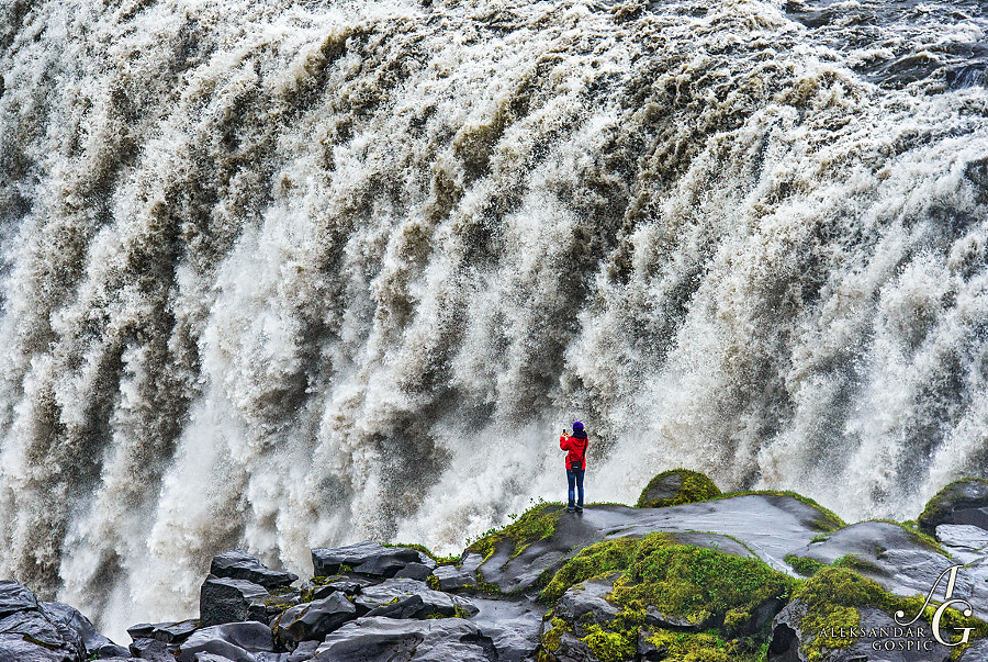 Every hand shivers when you find yourself face to face with the most powerful waterfall in Europe, Dettifoss