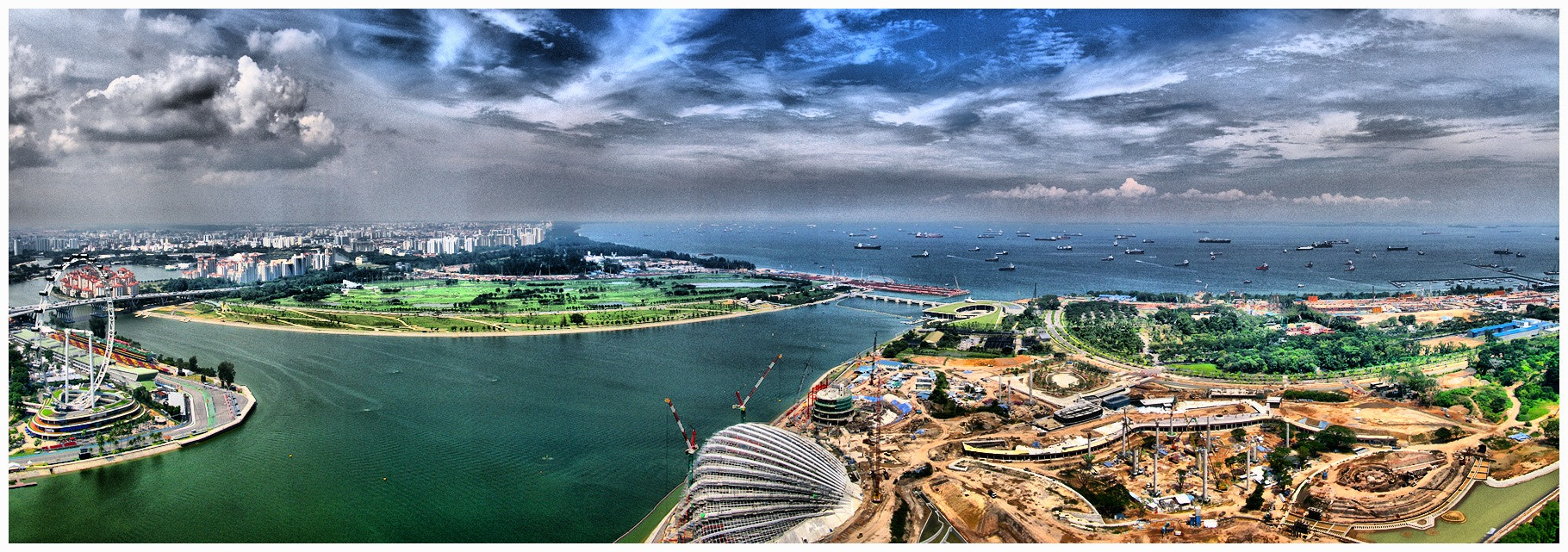 Photograph // CONSTRUCTION TIME AGAIN | SINGAPORE // by Richard Cawood on 500px