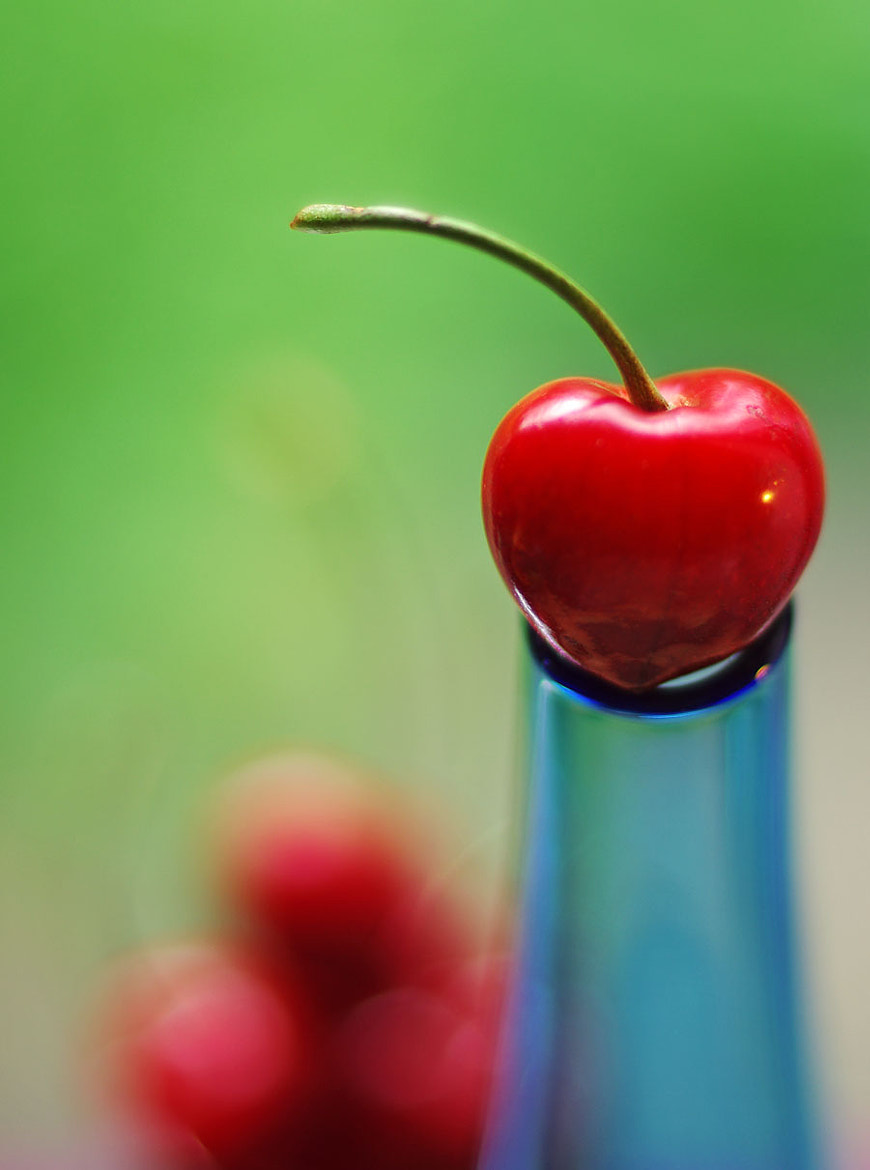 Photograph cherry by Elle Elskamp on 500px