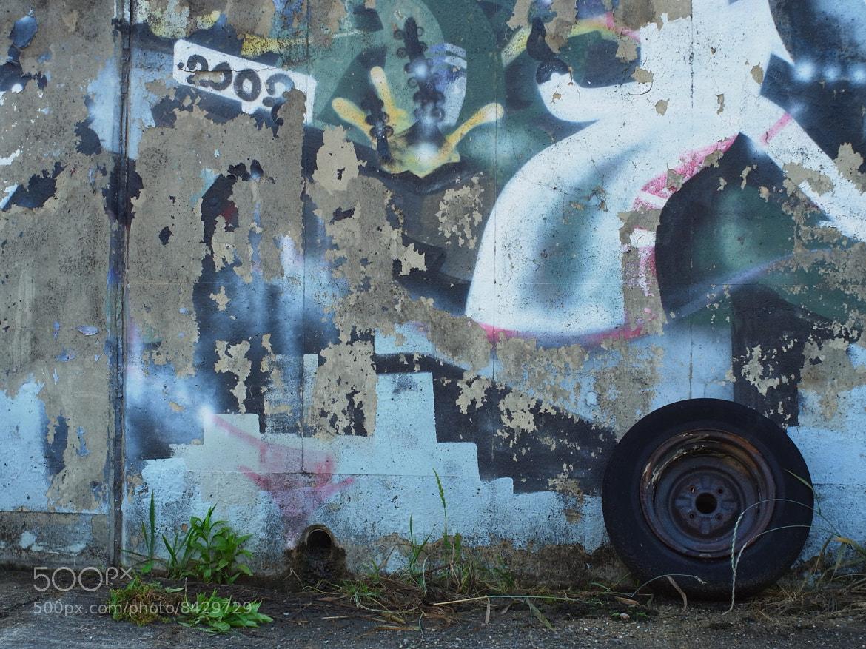Photograph Wall & tyre by Kouzou Nakano on 500px
