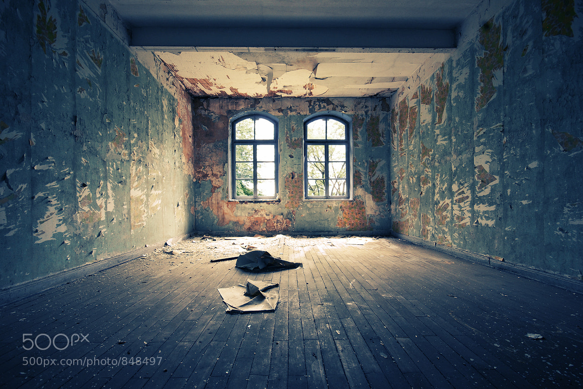 Photograph the room. by Daniel Schmitt on 500px