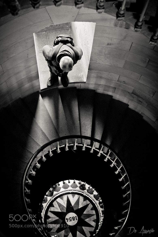 Photograph En haut de l'affiche by Damien De Assunção on 500px