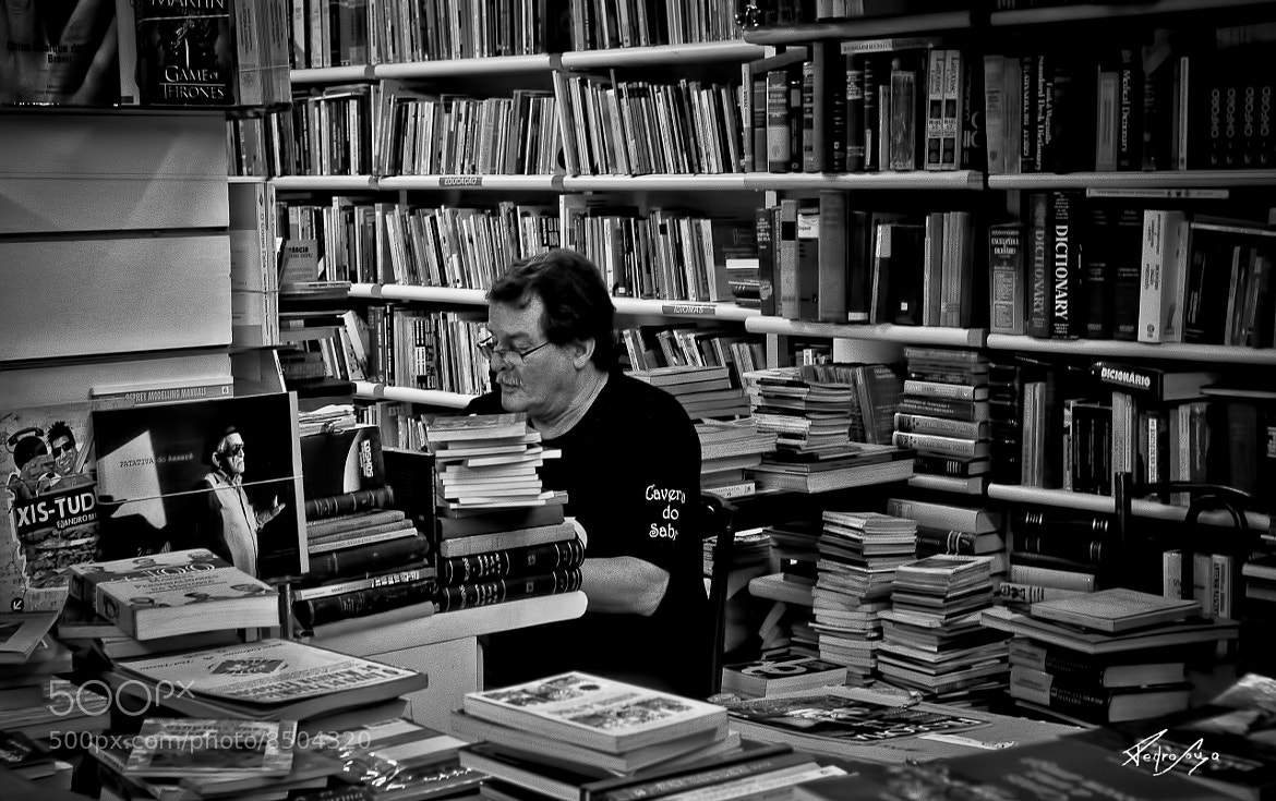 Photograph the bookseller by Pedro Souza on 500px