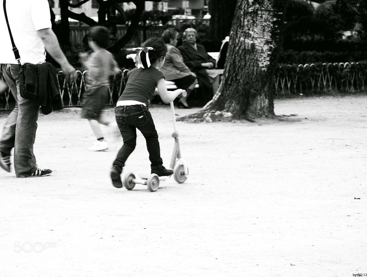 Photograph NIÑA Y PATINETE by Kike Martínez  on 500px
