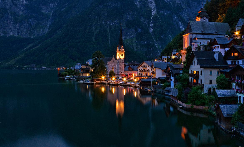 Hallstatt by night