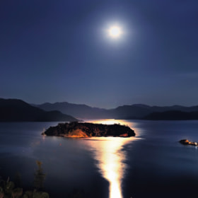 Moonlight on the Bay... by Alp Cem (alpcem)) on 500px.com