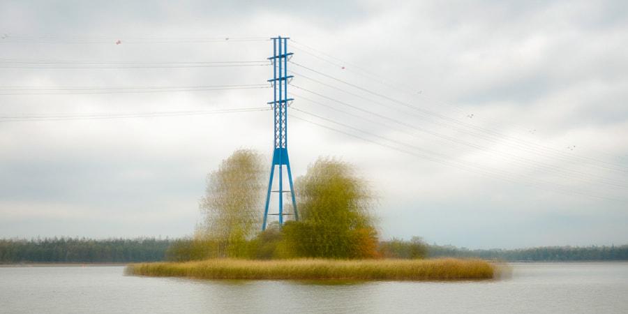 Autumn colors meet infrastructure
