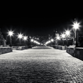 Charles bridge in Prague by Jørn Henning Vikjord (jvikjord)) on 500px.com