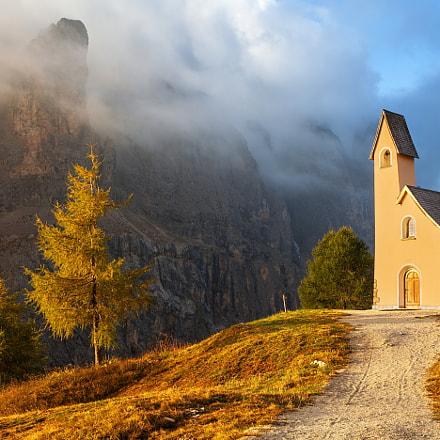 Small chapel, Passo Gardena, Italy