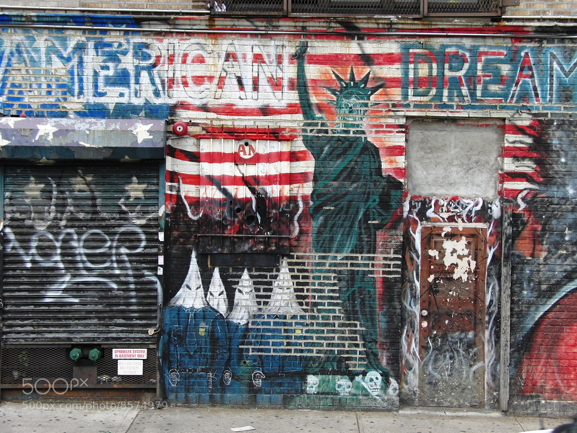 Photograph American Dream in Bronx by Frank Morris on 500px