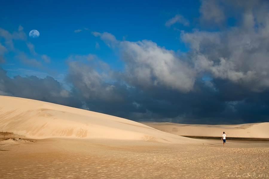 Photograph The Boy, The Dune and The Moon by Carlos CB on 500px