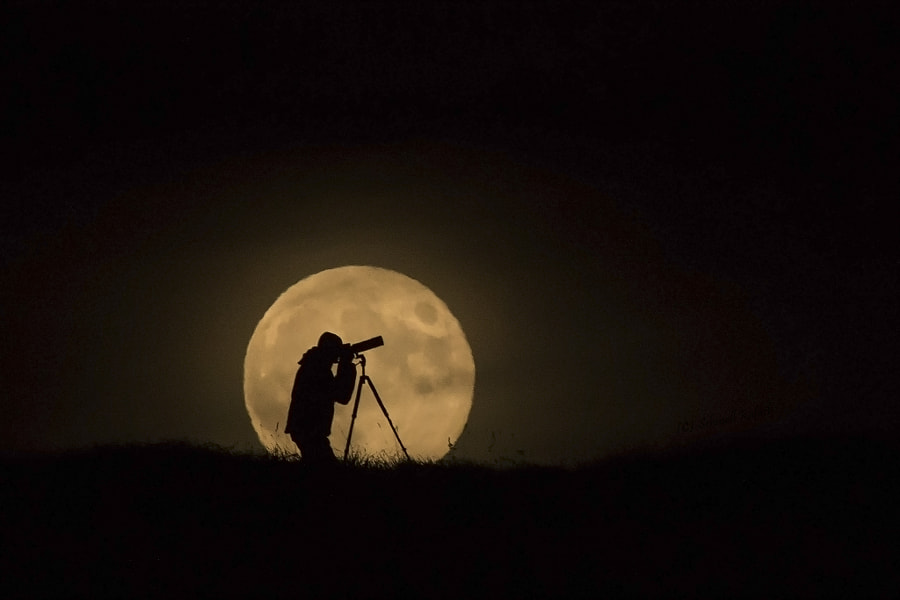 Photograph The explorer by Schmall Rafael on 500px