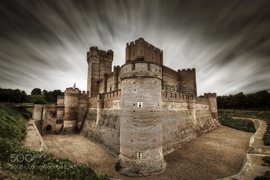 Photograph El castillo de luz/The castle of light by Ariasgonzalo . on 500px