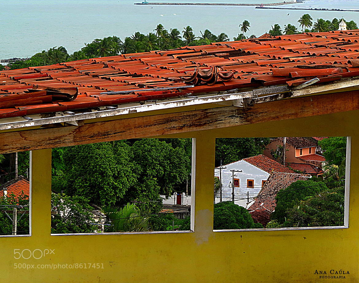 Photograph A house in the window by Ana Caúla Cribari on 500px