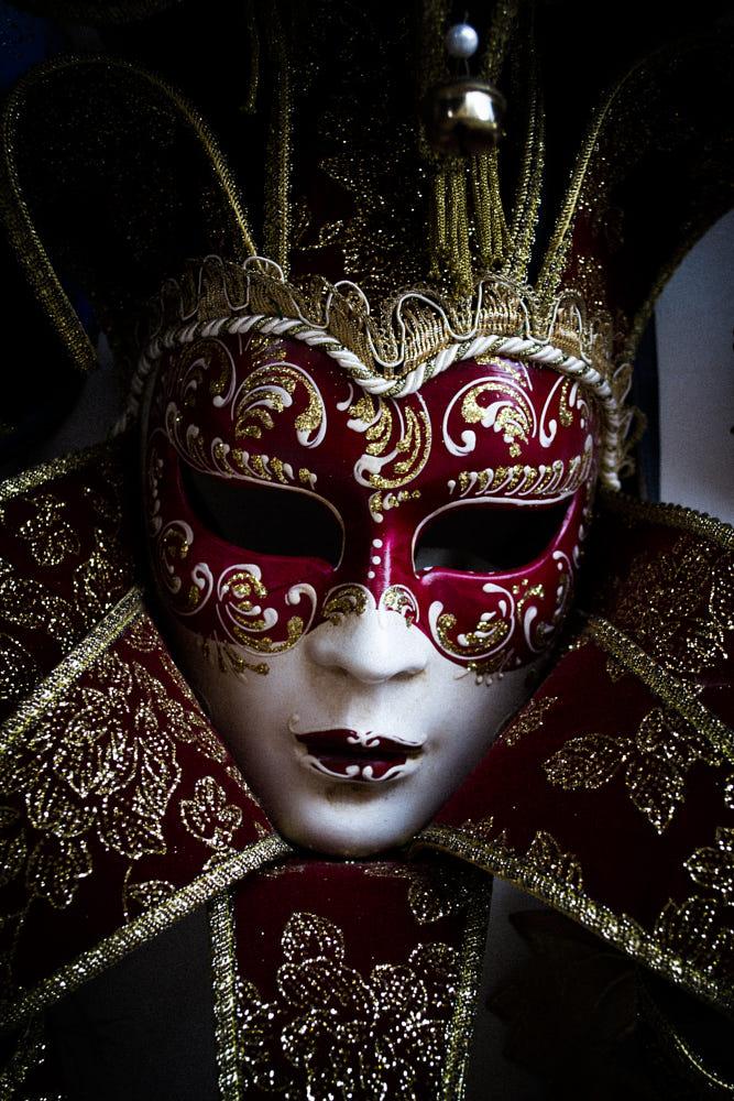 Mask By Albert Mejía / 500px