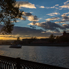 ������, ������: Warm autumn evening Moscow River