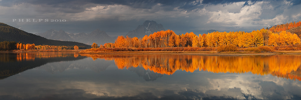 Photograph Autumn Bend by Ian  Phelps on 500px