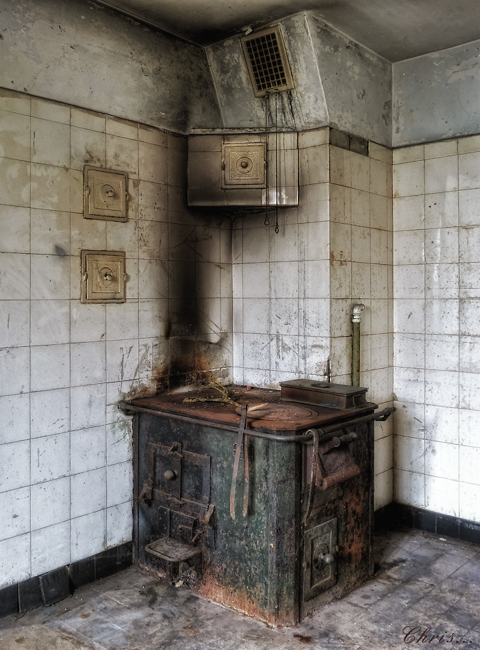 Photograph The decay of the Kitchens by Christian Boss on 500px