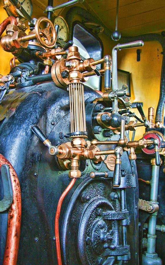 Photograph Vintage steam machine by Andreas Kaspar on 500px
