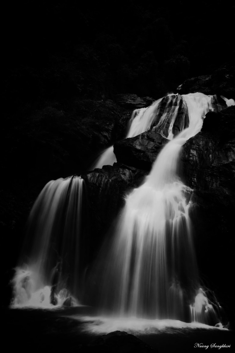 Photograph Krungshing Waterfall (BW) by Nuang Sangkhsri on 500px