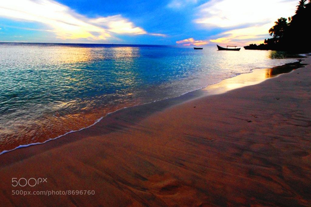 Photograph Morning @ Sabang beach by Debora Sylvia Roseny on 500px