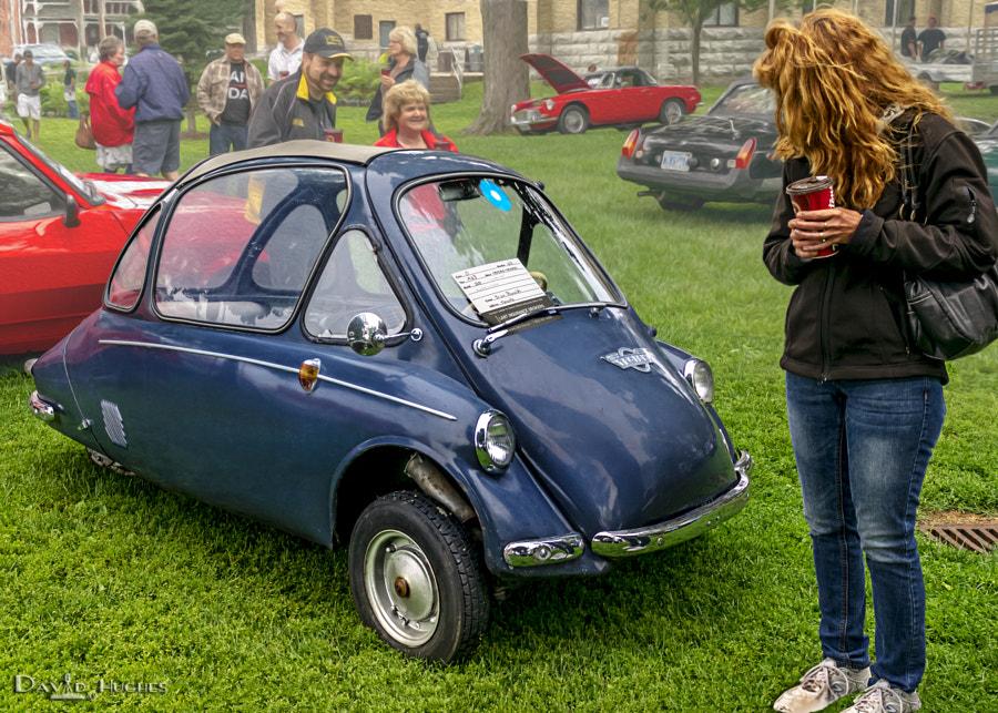Redhead & Micro Car
