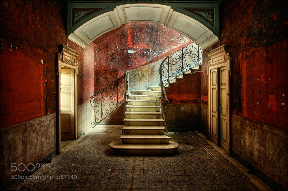 Photograph walls of wine by Sven Fennema on 500px